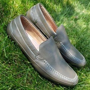 EUC Men's English Laundry Grey Leather Loafers 9